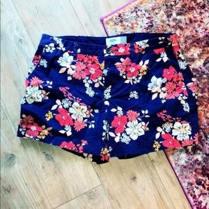 Old Navy | Floral Print Navy and Coral Shorts Sz 6